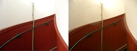 狭いらせん階段